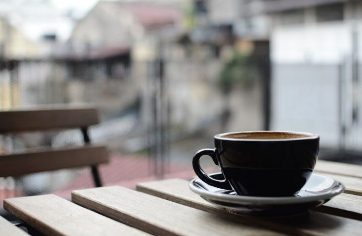 Our Favorite Spots in Evanston to Grab Coffee